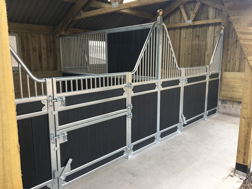 equestrian stables manufacturer of barn stables, field shelters, arena construction in Blackburn and Lancashire