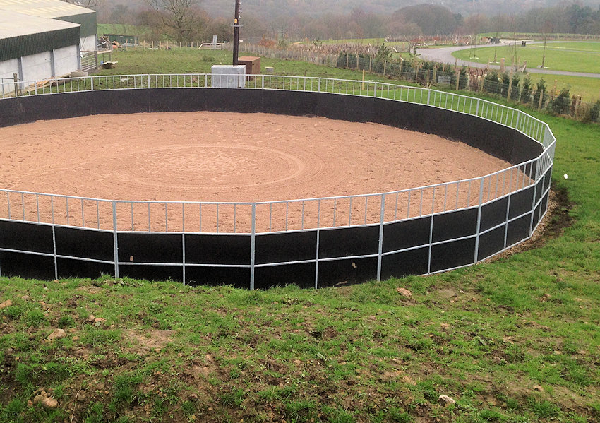 lunge and breaking pens, stables, yellow hill equine, equine accessories, arenas, menages in Lancashire