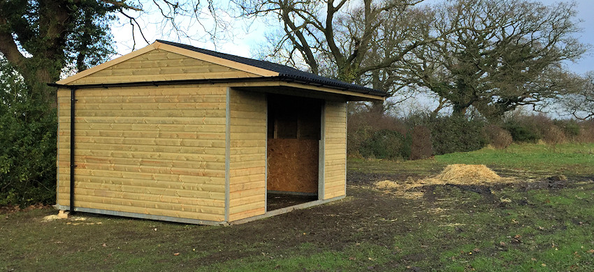 field shelters, stables, yellow hill equine, equine livestock shelters company in Lancashire
